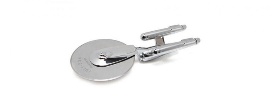 thinkgeek star trek enterprise pizza cutter