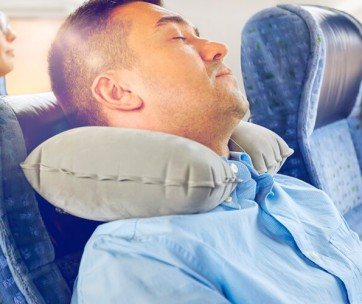 tips to help you sleep better when you travel