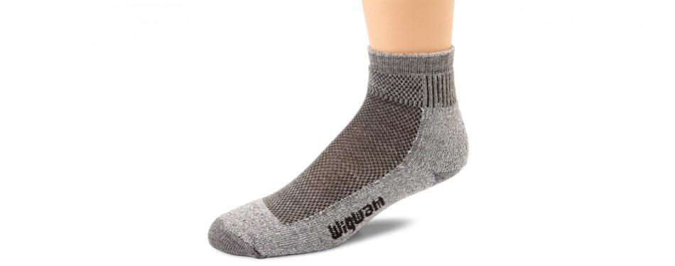 wigwam men's cool-lite mid pro quarter length hiking socks